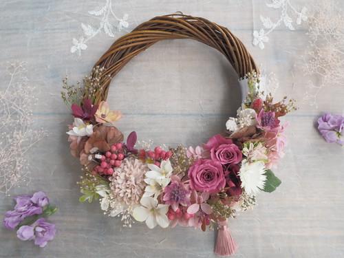 Happy antique pink*タッセル*ハーフムーンリース*プリザーブドフラワー*春リース*お花*ギフト*結婚祝い*冬*春*お祝い