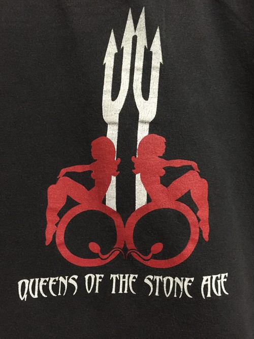 2002's QUEENS OF THE STONE AGE T's