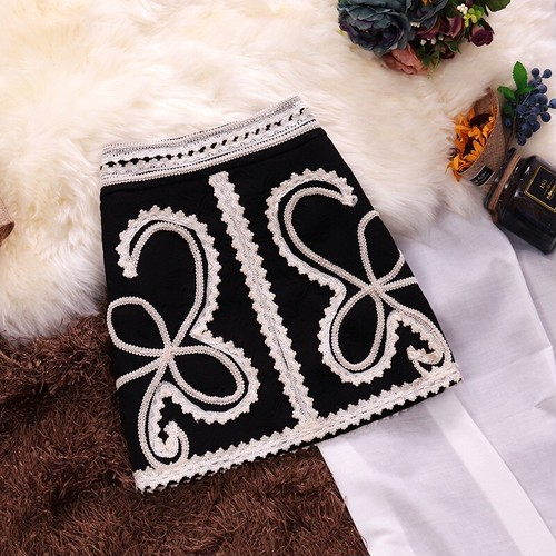 nostalgic ジャガード 刺繍スカート c2076