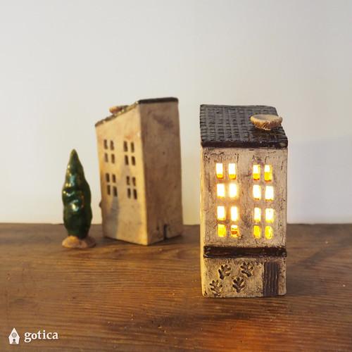 明かりの家®︎ 屋根に鳥の巣がある、星空のカフェ