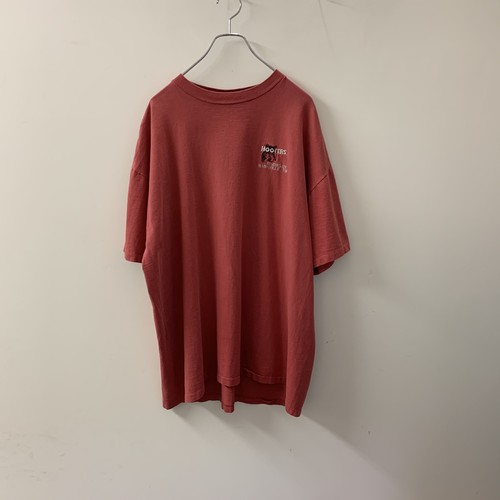 HOOTERS(Tennessee)Tシャツ 刺繡 レッド size XL USA製 メンズ 古着
