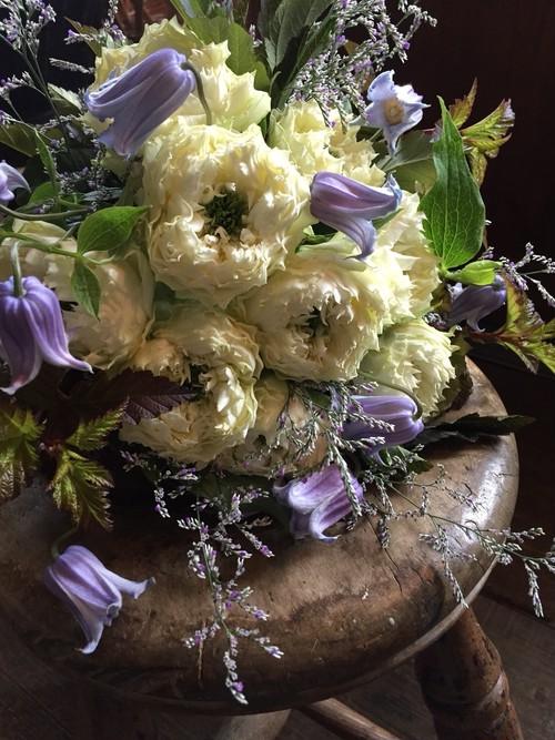 Bouquet rond avec rose(バラの丸いブーケ)
