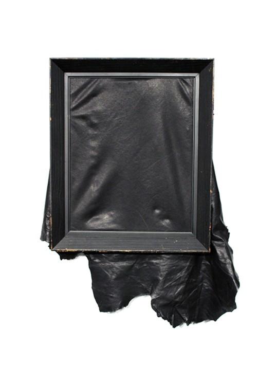 スタイリッシュな空間と相性抜群【T.A.S / ティーエーエス 】Antique frame leather picture アンティークフレームレザーピクチャ(Small)