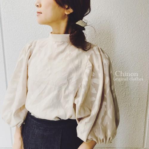 Chinon  original  スタンドカラーバルーン袖ブラウス
