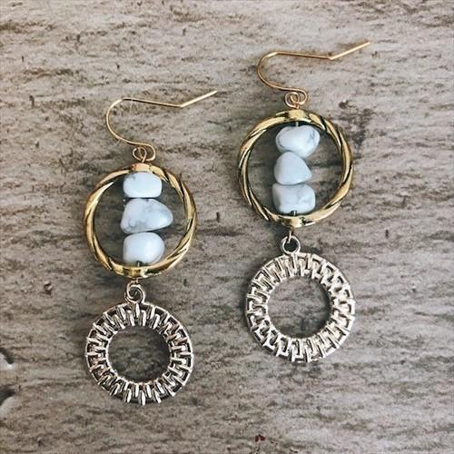 Double ring × whitehowlite gold earrings