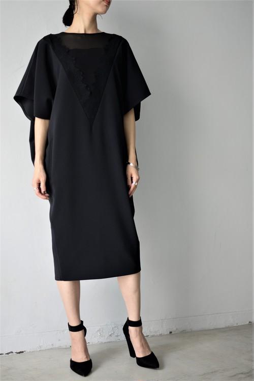 LOKITHO / laced V-neck dress