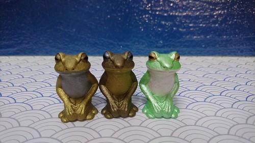 猫地蔵【016】正座蛙