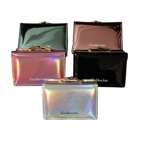 【小銭だけでなくお札もカードもたくさん収納できる】見る角度によって色合いが変わる不思議な魅力を持ったガマ口財布