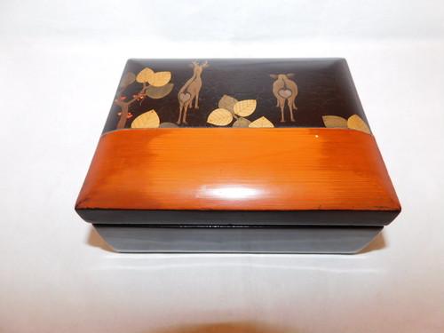 鹿絵漆の箱 Urushi lacquer ware box