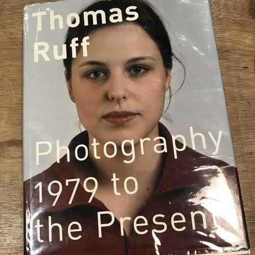 Photography 1979 to the Present / Thomas  Ruff