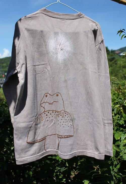 草木染、梅の木染め、絞り染め 綿100 きのことカエル 長袖Tシャツ 男性用Lサイズ 手描きイラスト
