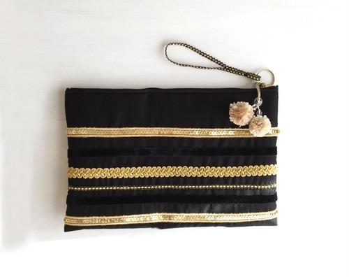 キラキラ☆+* シルクのクラッチバッグ(黒×ゴールドブレード)