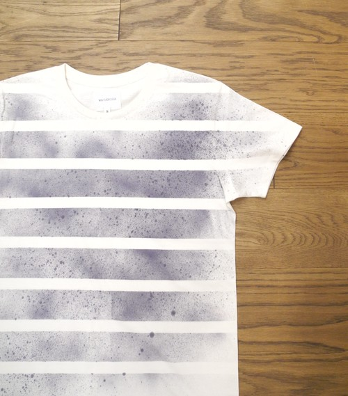 Hand Spray Border T-Shirts