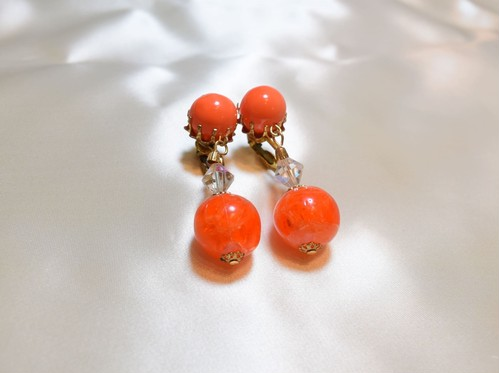 VINTAGE orange ball earring