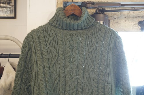 80's green cable turtleneck Sweater