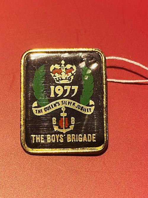 Silver Jubilee 2.5cm  1977 Badge メタルバッジ