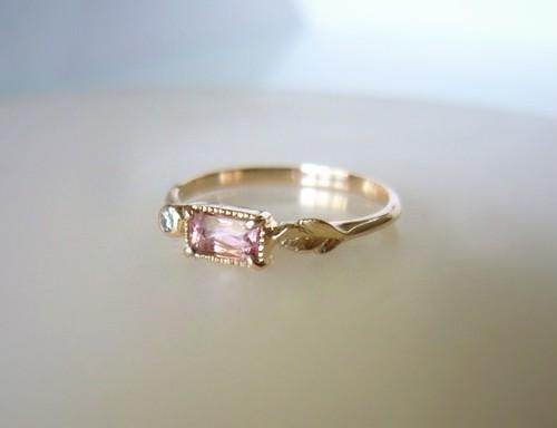 ピンクトルマリンとダイヤのK10の指輪
