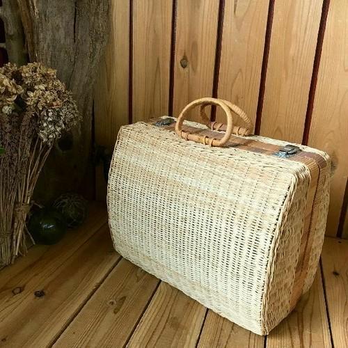 ヴィンテージ*古いラタンピクニックバスケットトランク*籐籠かごバッグ*自然天然ナチュラル収納アンティークピクニックアウトドアキャンプ
