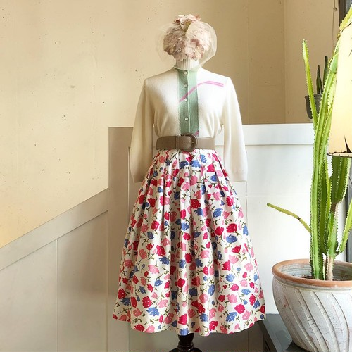 VINTAGE colorful flower print skirt