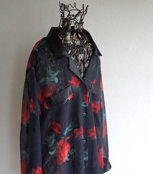 1980's バラ柄 オープンカラー シフォンブラウス ブラック 実寸(women's L〜XL程度) ヨーロッパ ヴィンテージ