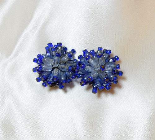 VINTAGE deep blue glass beads earring