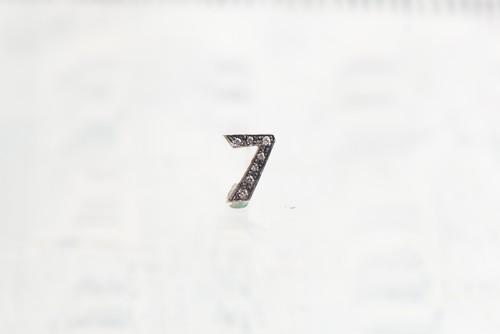 SV925 / Numéro diamant / 7