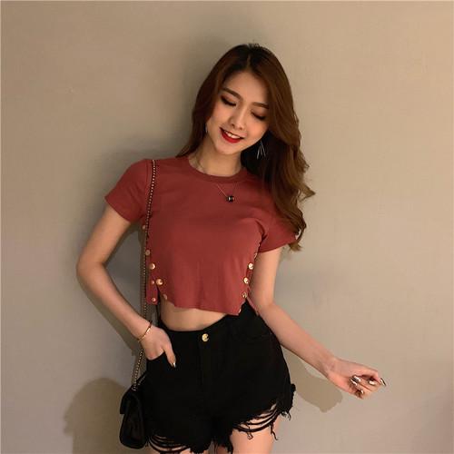 【トップス】美人感アップスリム合わせやすいミニ丈セクシーTシャツ21226177