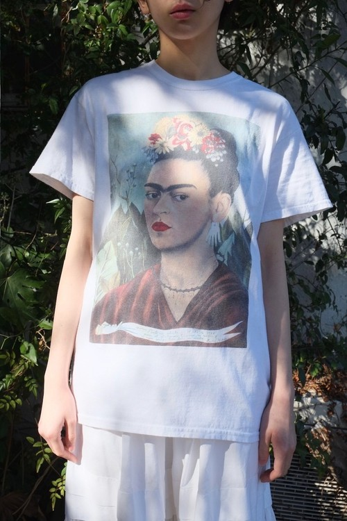 Frida Kahlo t-shirt.