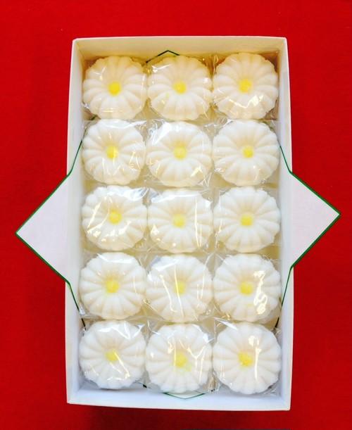 特製落雁 菊打 15個入り|豆大福や上生菓子のお取り寄せ・桐木神楽堂