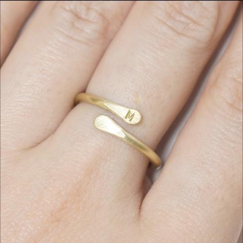 『イニシャルリング (Bタイプ)M』Brass(真鍮)製 マット仕上げ