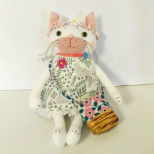猫街のドール・白猫