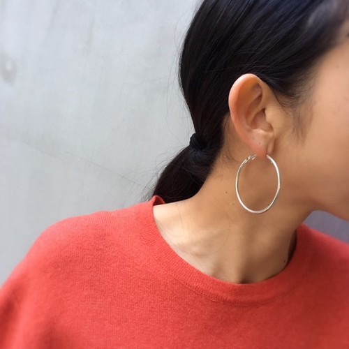 dead stock silver color hoop earrings (pierces)