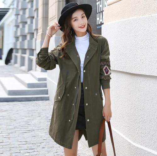 9632レディース トレンチコート 春 秋 スプリング コート 薄手 レディース ミドル丈  ロングコート 刺繍