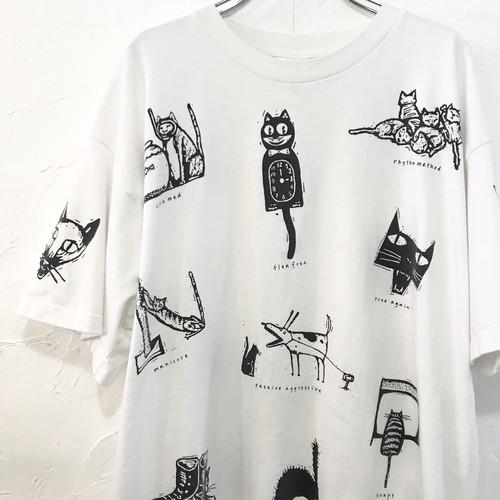 【USED】ネコ 柄 プリント 半袖 アート Tシャツ