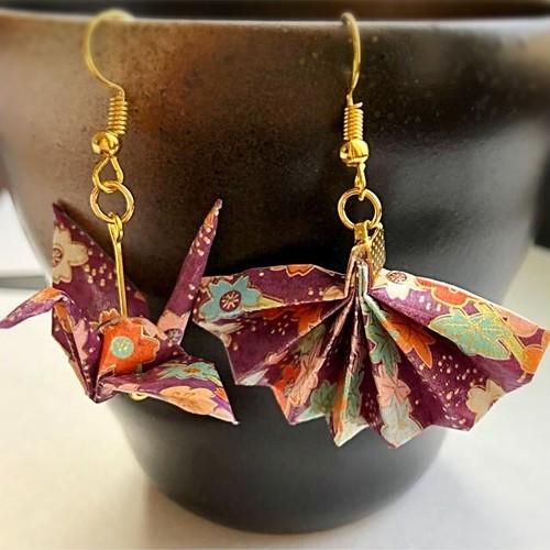 和風ピアス 和紙 折り鶴と扇子 Japanese style earrings Origami crane and a folding fan