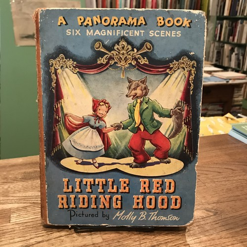 A PANORAMA BOOK: Little Red Riding Hood / Molly B. Thomson