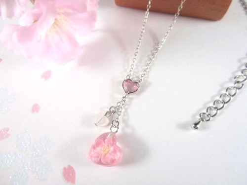 桜ハートの春風ネックレス
