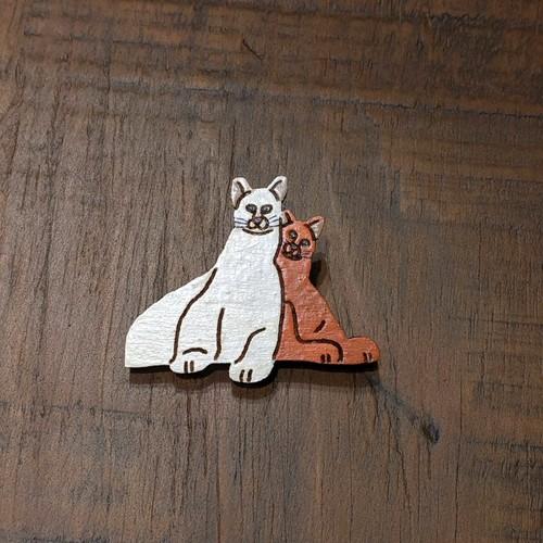 寄り添い猫 ブローチ