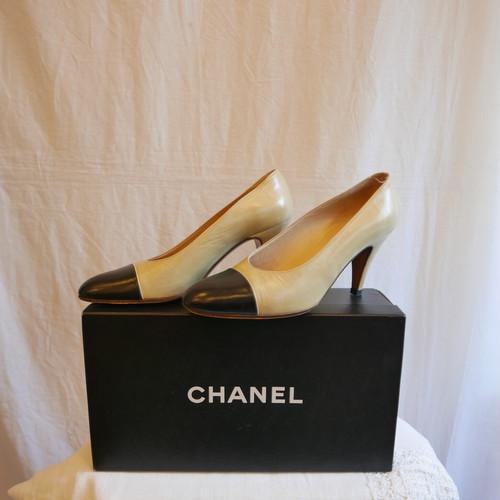 CHANEL Bi-color High heels
