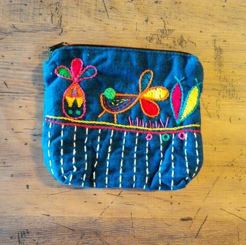 チェンマイ 藍染め 手刺繍ポーチ 鳥