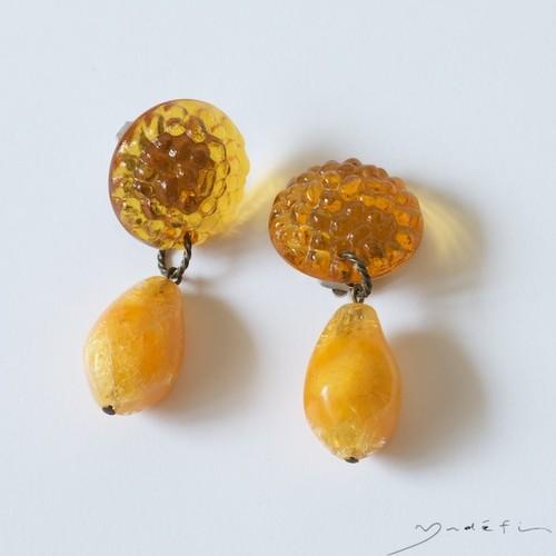 yy001_ヴィンテージ・イヤリング  <amber>