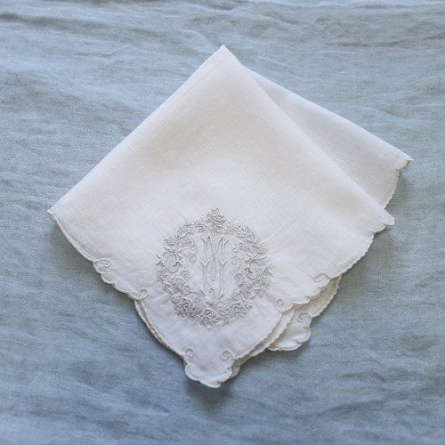 Vintage Embroidered Handkerchief 004・ヴィンテージ 刺繍ハンカチ 004 イニシャル M U.S.A