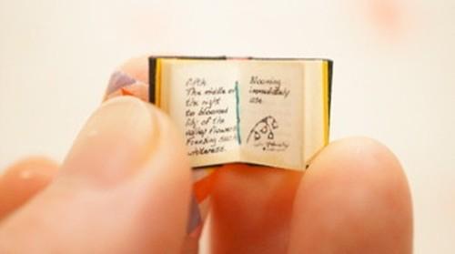極小豆本「魔女の惚れ薬」