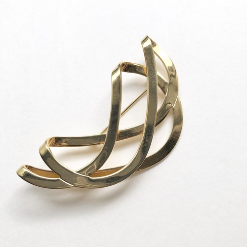 Folding curve brooch No.606B*