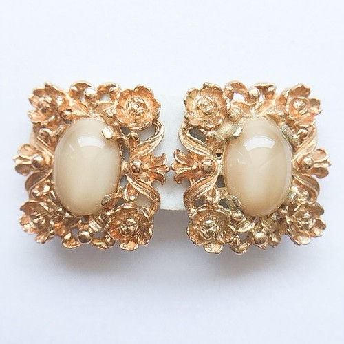 """Judy Lee"" flower cabochon earring[e-879]"