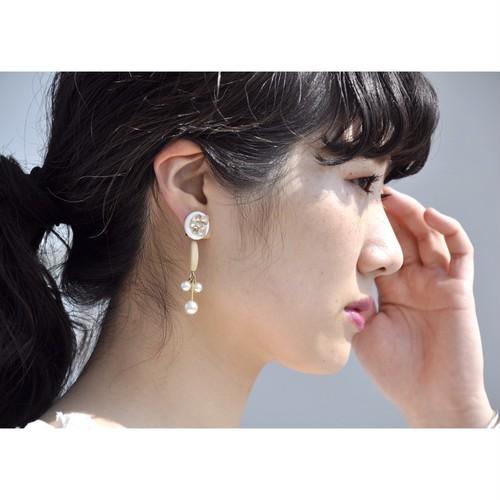 tiravisù【 deformed ribbon ( clear ) _ pearl_ earring 】vintage handmade イヤリング japan