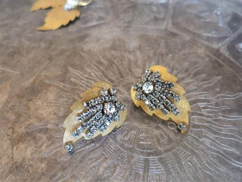 リーフビジューピアス ミリアムハスケル vintage pierced earrings Miriam Haskell <PE-MHgd2>