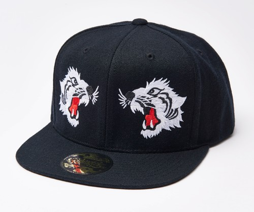 "2019 ""WHITE TIGER"" Snap Back Cap Black"