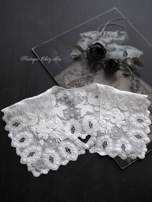ホワイトワーク 手刺繍のバラの襟
