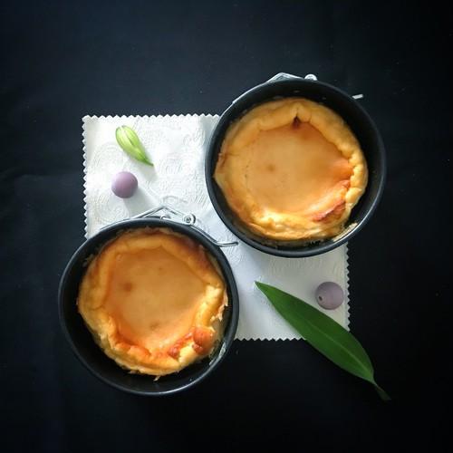 【2~3人用ミニホール】蜜月(蜂蜜のお酒ミードとレモンのスフレチーズケーキ)<お酒を使った大人の焼き菓子>